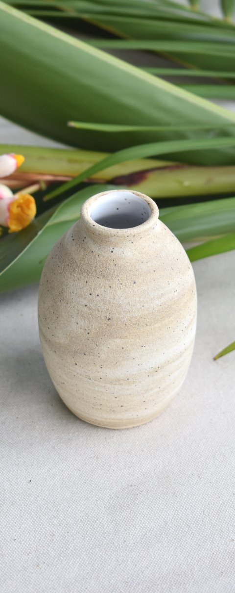 Milk Tea Swirl Bud Vase